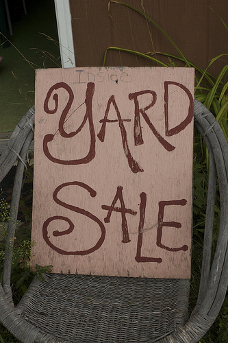 7 Tips to Finding Great Deals at Yard Sales